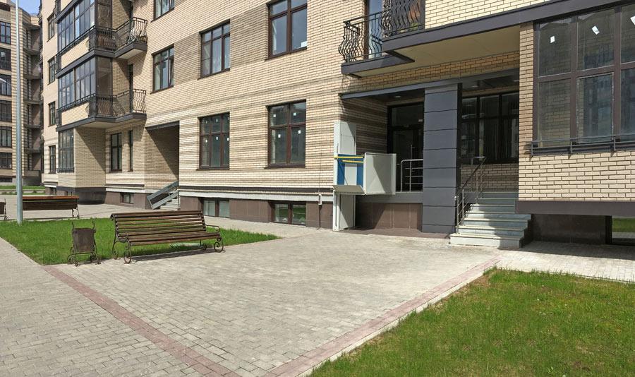 Микрорайон ЖК Солнечный, Троицкий бульвар, дом 7, квартира 26, вид подъезда